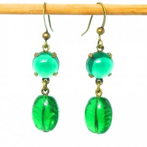 Vintage art deco deep green glass bead drop earrings